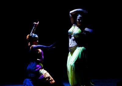 technique entre la danse indienne et orientale